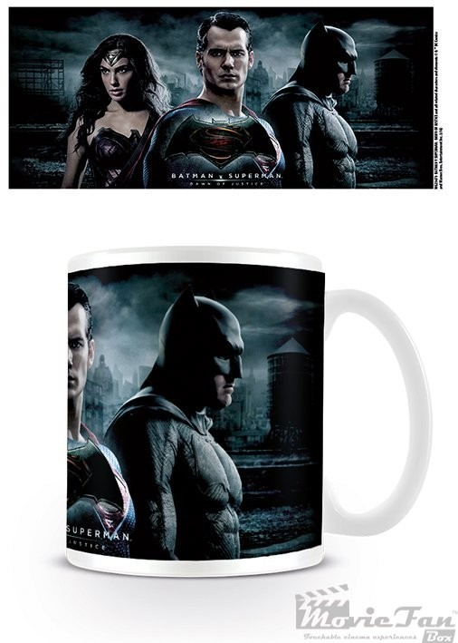 Batman vs. Superman - Wonder Woman hrnček (330ml)